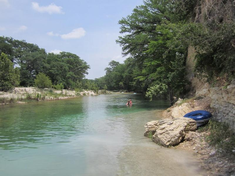 Frio river cabins photo pictures of the frio river near for Cabins along the frio river